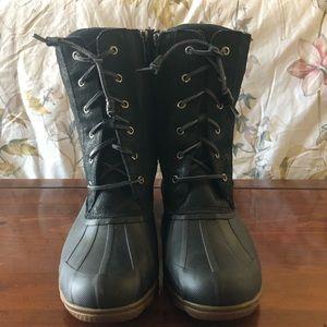 NWOT Women's Black Duck Boots